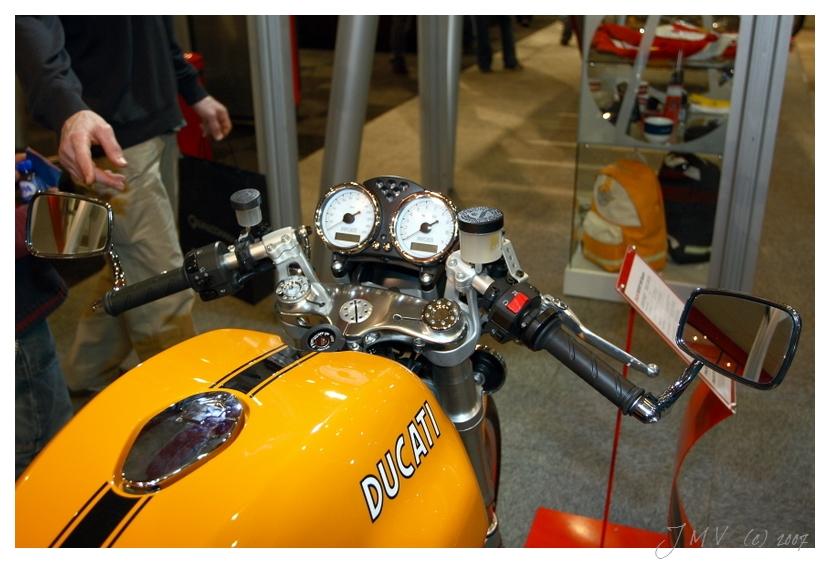 Quelques photos du salon Auto-Moto Bruxelles édition 2007 356874149_d85fd7e04c_o