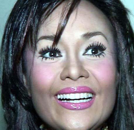 Slike make-up-a koji nam se NE sviđa (Ružni make up) - Page 2 514528239_5018350ea4_o