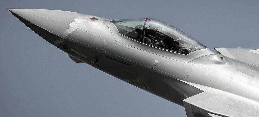 المقاتلة الصينية J-20 Mighty Dragon المولود غير الشرعي - صفحة 3 32332802316_f278de90a7_b