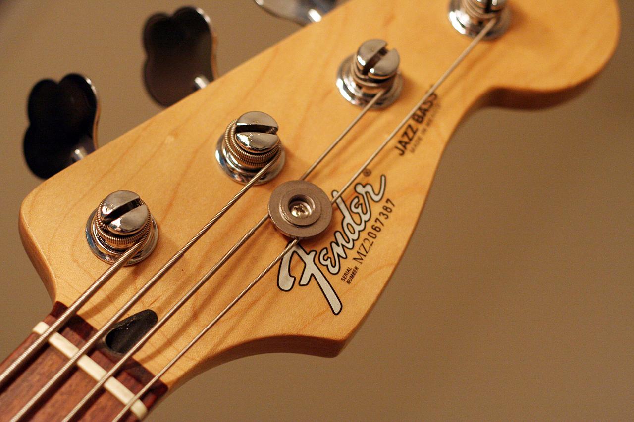 Fender...quais evitar??? - Página 2 143100786_fee9174485_o