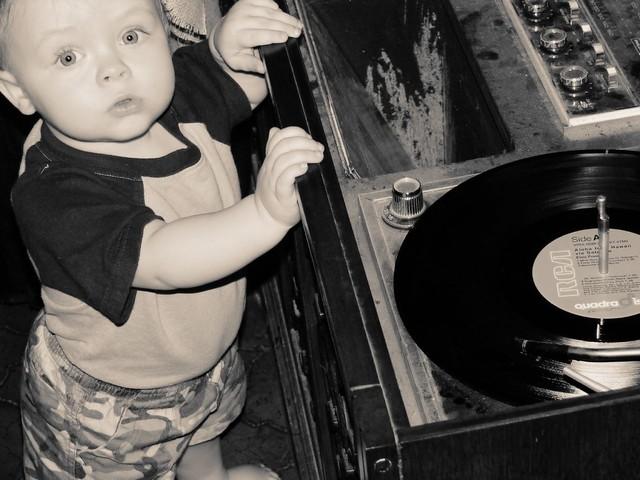 Antes fossem os meus audiófilos... - Página 2 152707165_2e9b9c0526_z