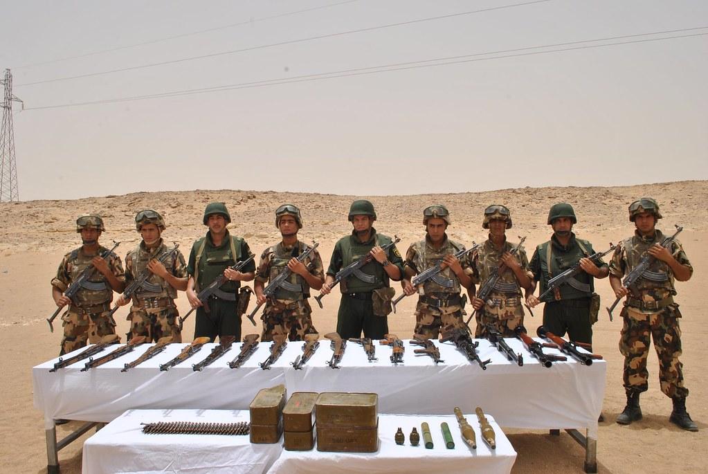 مكافحة الارهاب في الجزائر - صفحة 21 28608605828_0426003e99_b