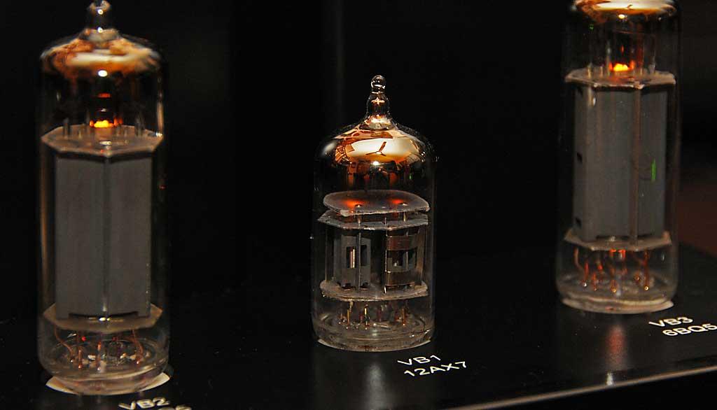 Antique Sound Lab MG-Head OTL MKIII: Le foto 4606444517_ee3376ef74_o