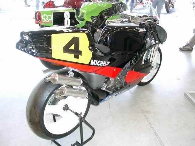 Machines de courses ( Race bikes ) - Page 3 698183976_80752beb2a_o