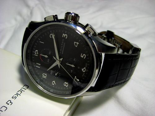La montre qui vous tente pour la rentrée ...Et Attention ! Une seule ! 1285388223_72d9a562ea