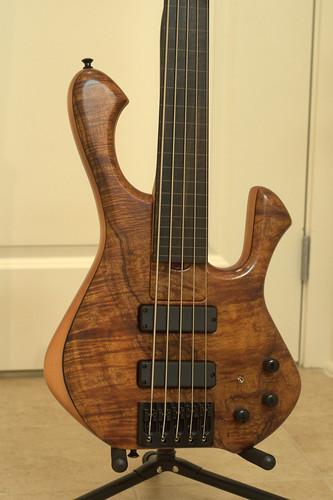 Skjold basses 5116459394_4879dd54d7