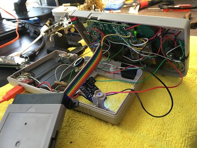 Une Game Boy Zéro sous RPi Zéro avec des centaines de jeux 25703852414_bf2c6aeebc_z