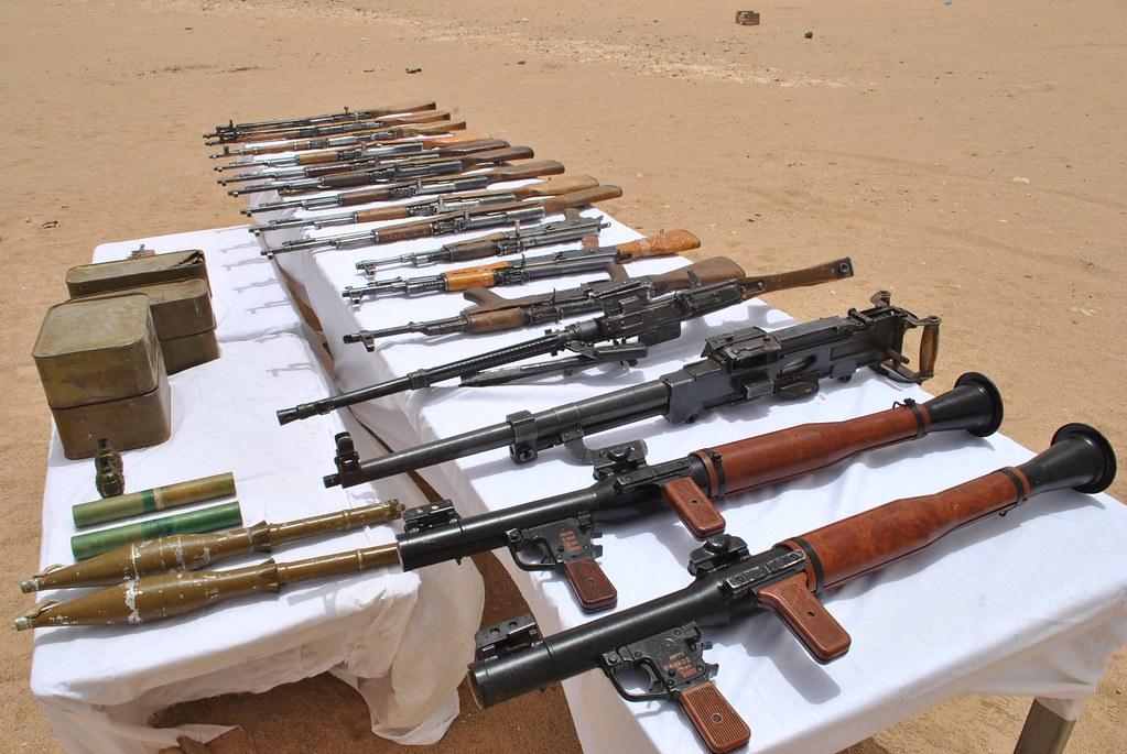 مكافحة الارهاب في الجزائر - صفحة 21 42480978551_a2f3a492e0_b