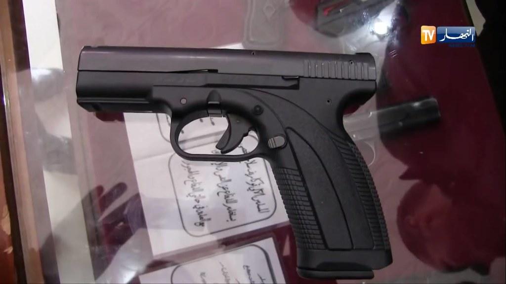 """تصنيع أول مسدس """"كركال"""" بالجزائر في 2014 - صفحة 3 27771519197_0d3e78426d_b"""