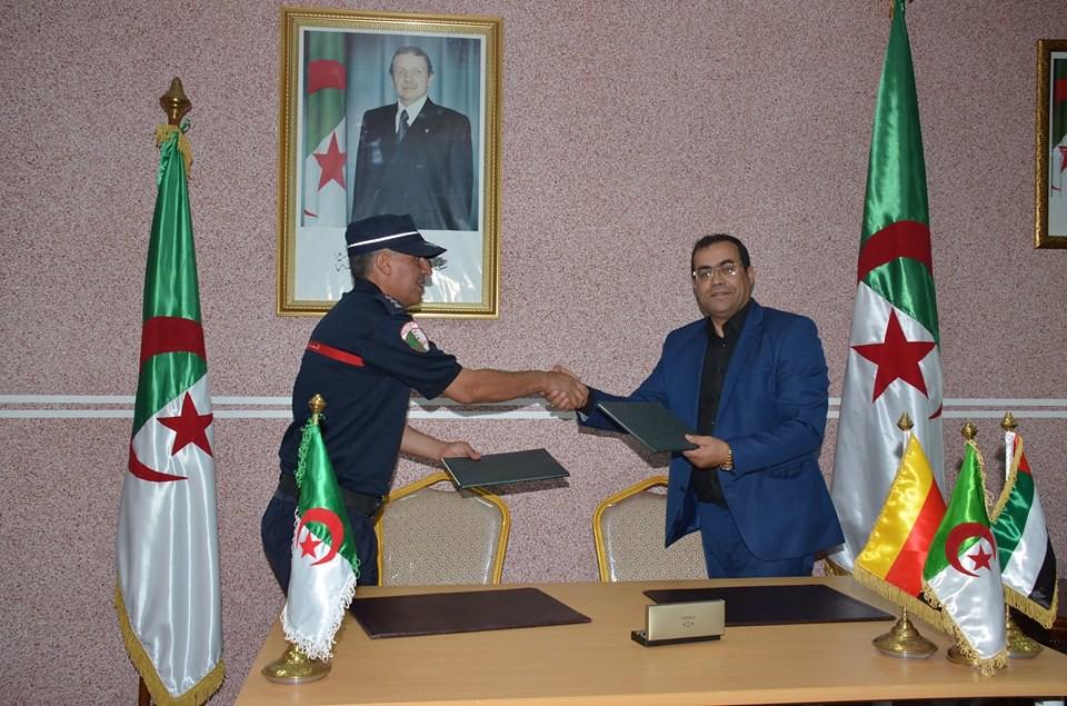 الصناعة العسكرية الجزائرية  علامة  ً مرسيدس بنز  ً - صفحة 22 29577334358_d62c0ed8d4_b
