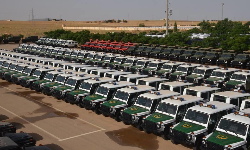 الصناعة العسكرية الجزائرية  علامة  ً مرسيدس بنز  ً - صفحة 22 42731939154_6d04461e73_b