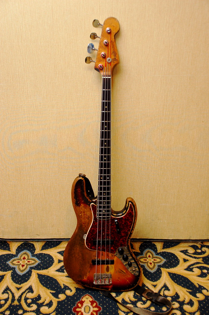 Mostre o mais belo Jazz Bass que você já viu - Página 2 2256486153_2f5099a5d1_b