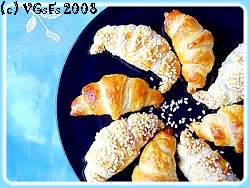 Mini-croissants salés, seitan & moutarde à l'ancienne 2357687655_4f2fd82086_o