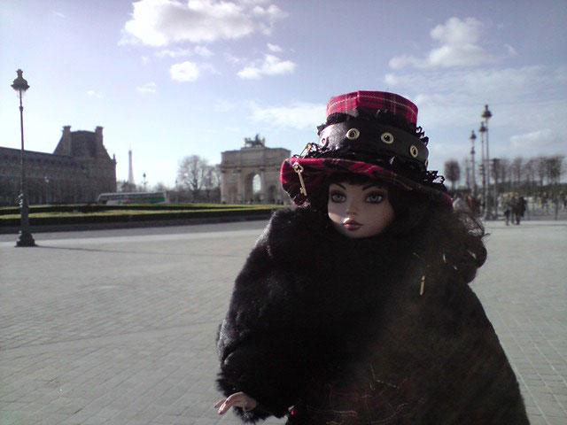 Sarah joue les touristes en solo à Paris 2302225751_f71a190814_o