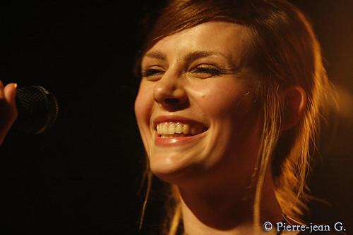 Elodie en concert au réservoir de Paris (12/05/08) - Page 2 2492373350_5f8c0d06c1