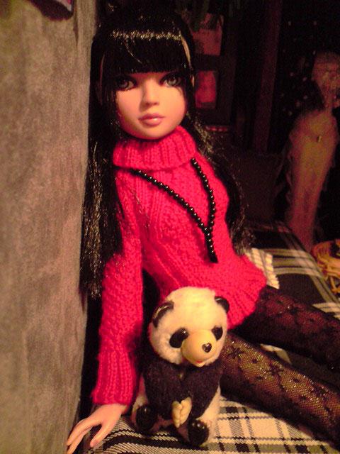 CharlIE :)) dans un beau pull rouge tricoté par Nadine :) Page 2 et 3 :) 2375223776_72f0982d54_o