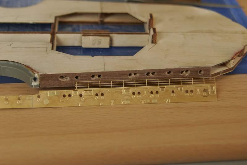 Chris' Schlachtschiff Bismarck von Amati 1/200 4009086086_977e8d88ae_o