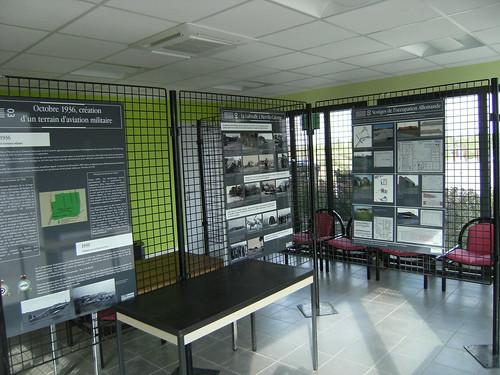 Salle d'exposition aérodrome de Merville-Calonne LFQT 5845822069_2a2b9bc423
