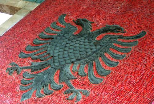 Simboli i Shqipërisë, flamuri dhe shqiponja dy krenare 3886813749_159080f7cb
