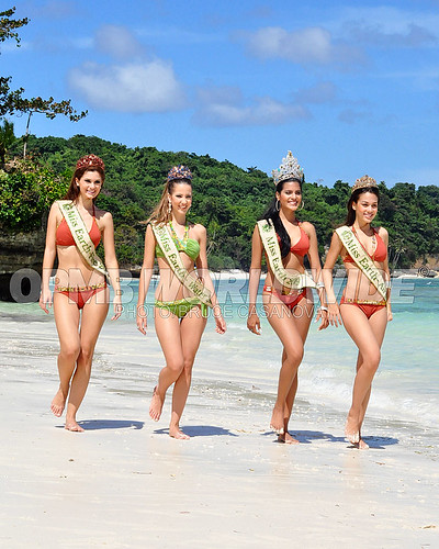Official thread of Miss EARTH 2009 * Larissa Ramos (Brazil) 4133053180_007e2a2ef6