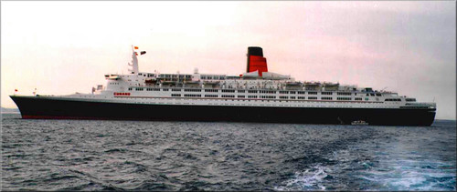 QE2 Exterior Shots ( Full View) 4004546456_ab38f72fd9