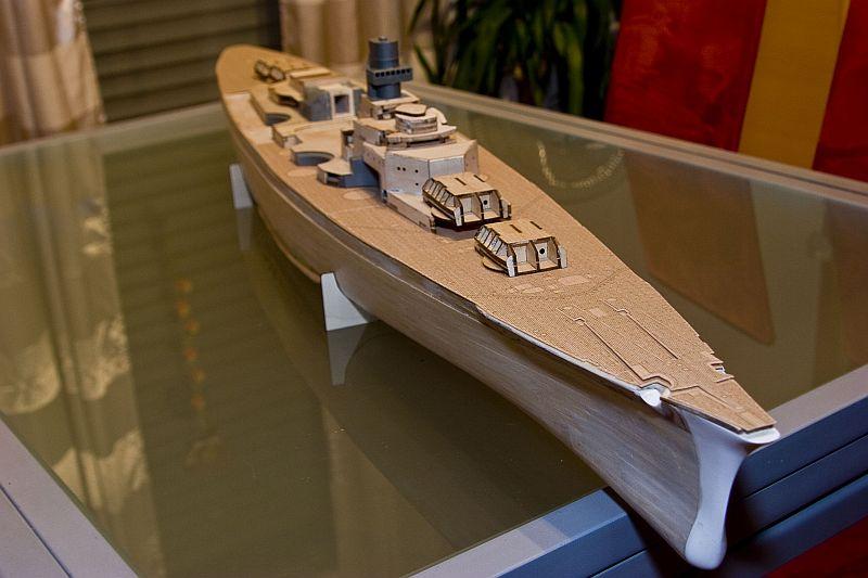 Chris' Schlachtschiff Bismarck von Amati 1/200 3923129917_25640dff2b_o
