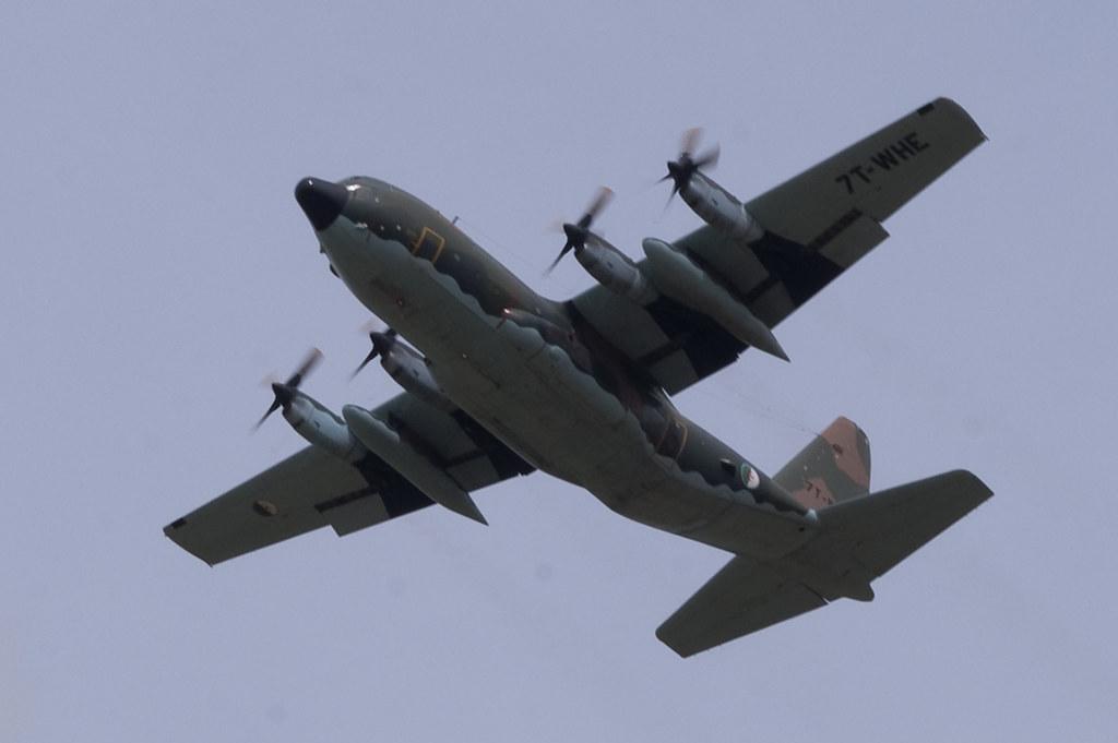 طائرة النقل سى-130 هرقل  CC-130 Hercules - صفحة 2 4107386494_af5314d9c9_b