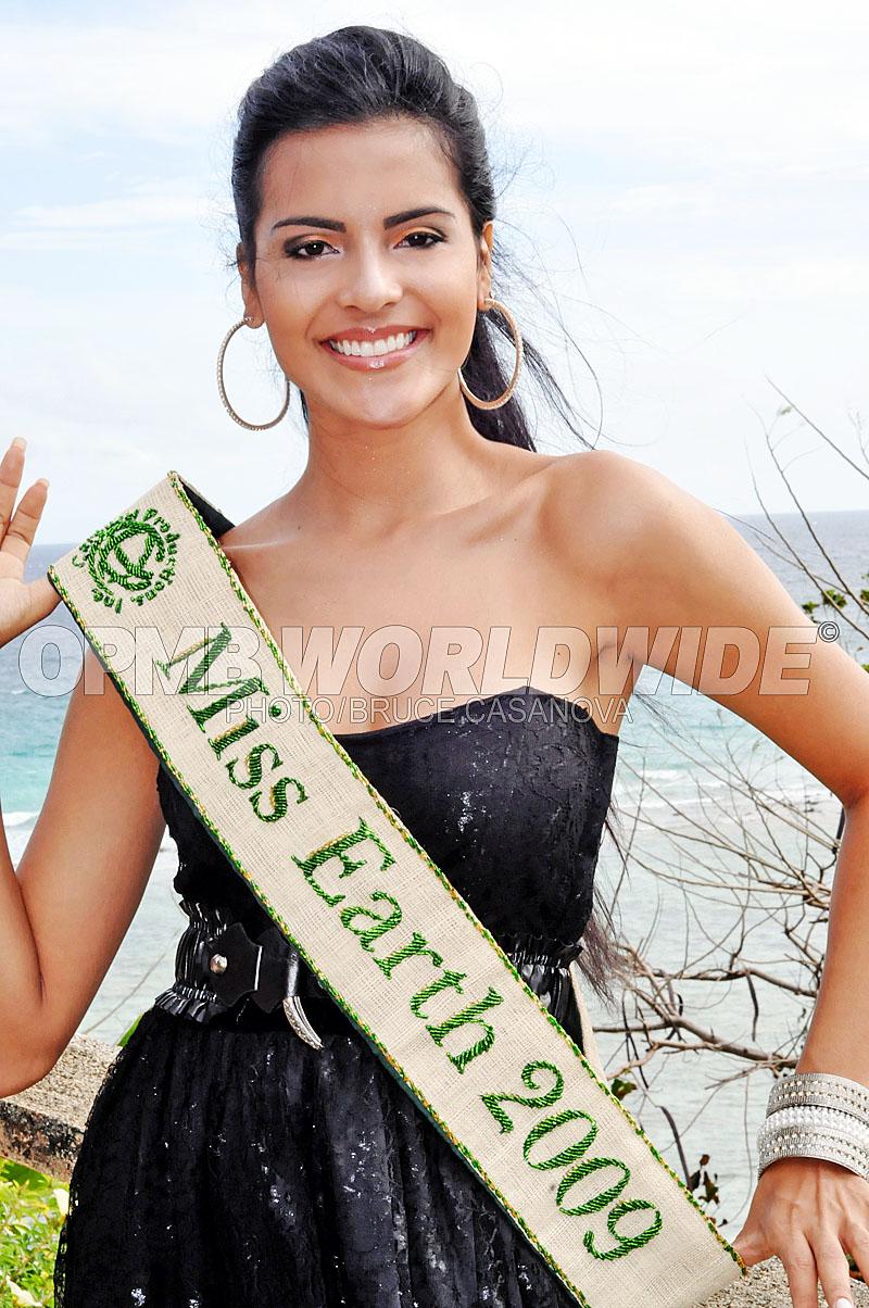 Official thread of Miss EARTH 2009 * Larissa Ramos (Brazil) 4133255202_ecedc31951_o