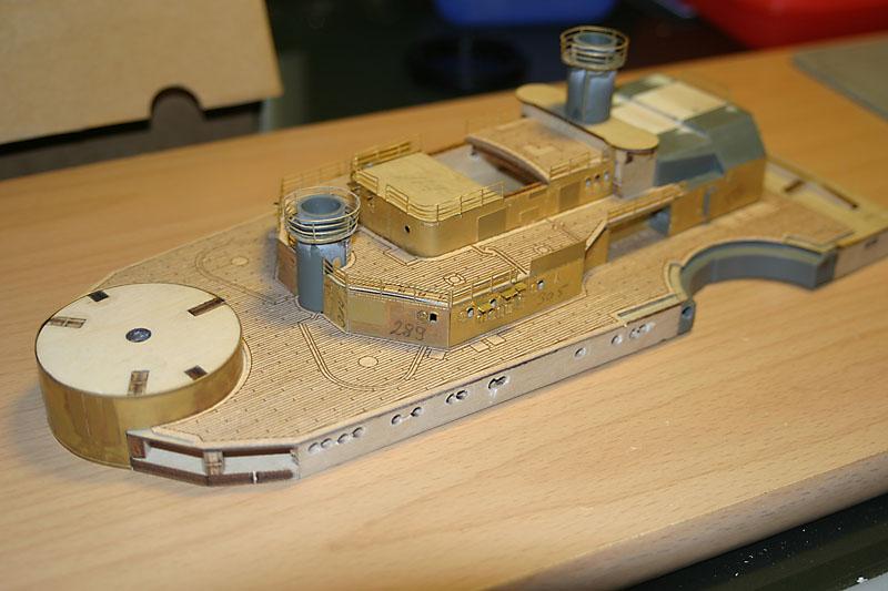 Chris' Schlachtschiff Bismarck von Amati 1/200 4153282671_5741555189_o
