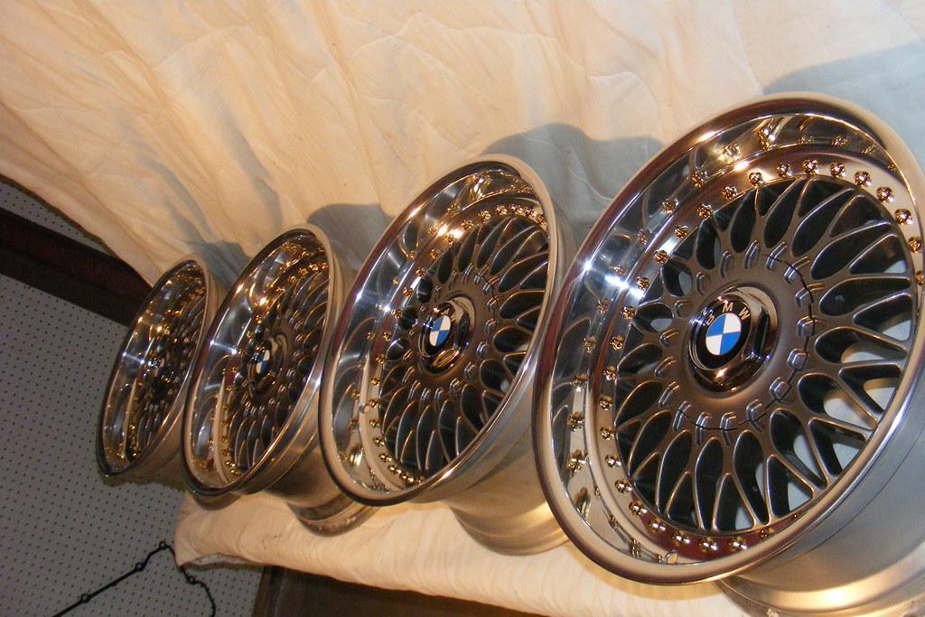 [BMW 330 da E46] Nouvelles roulettes 4127302905_7b849f880d_b