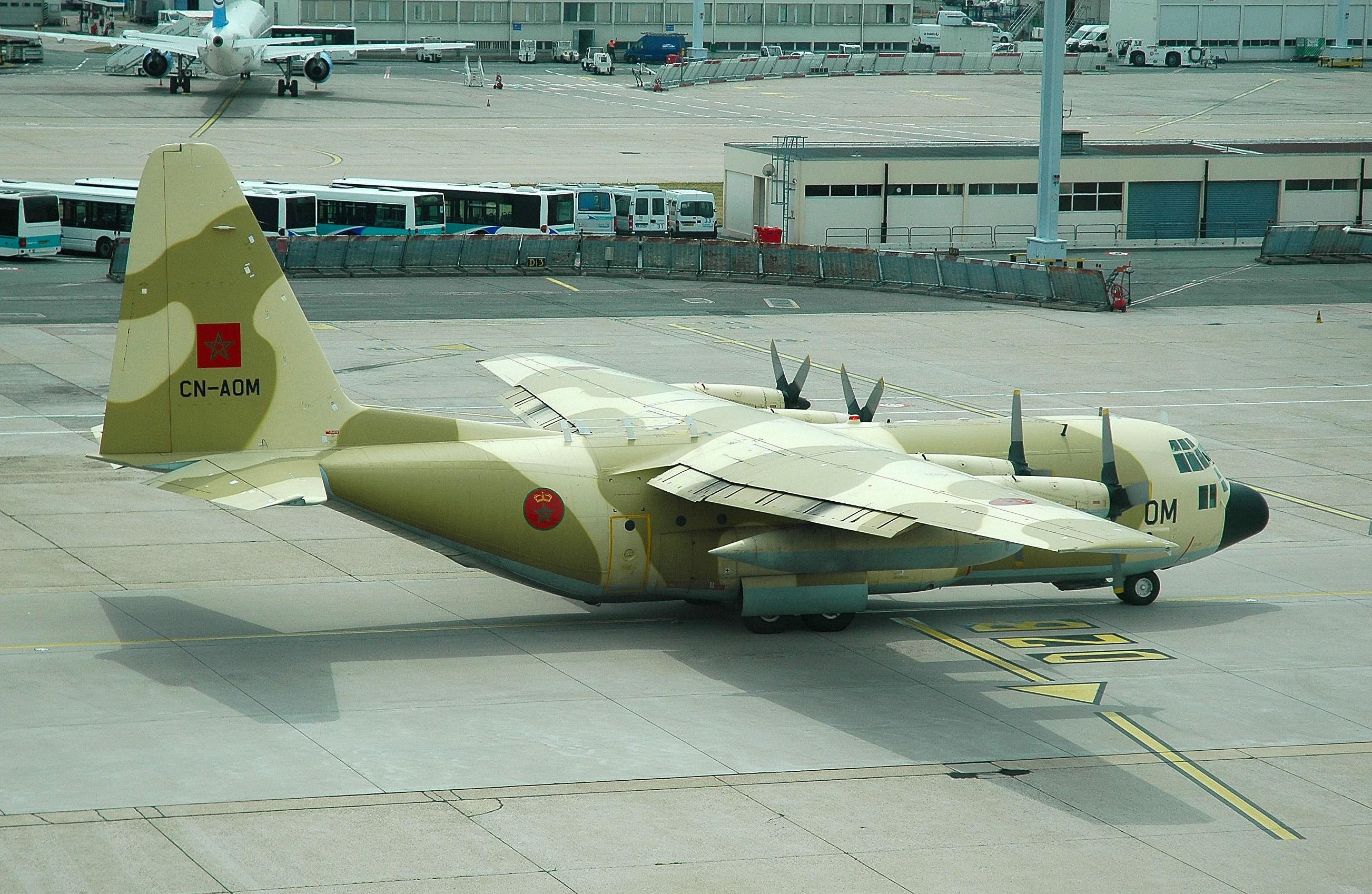 طائرات النقل العاملة بالقوات المسلحة المغربية 5823613943_af80e35148_o