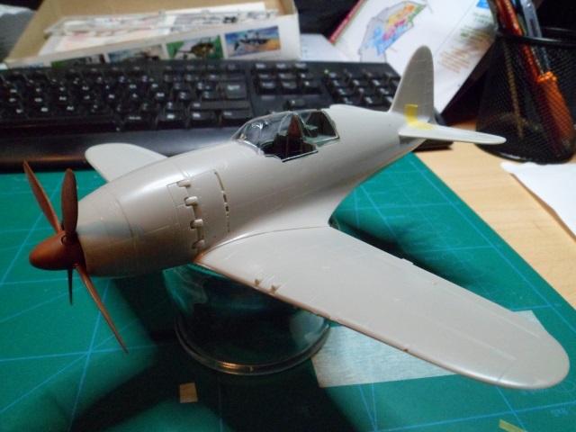 Pas-à-pas : Mitsubishi J2M3 modele 21 Raiden Jack [Tamiya 1/48] 11786880464_02182bb70e_o