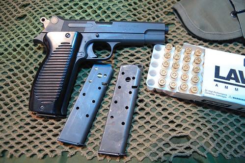Le  Pistolet automatique de 9 mm modèle 1950 3090117228_4daa4fc1a6