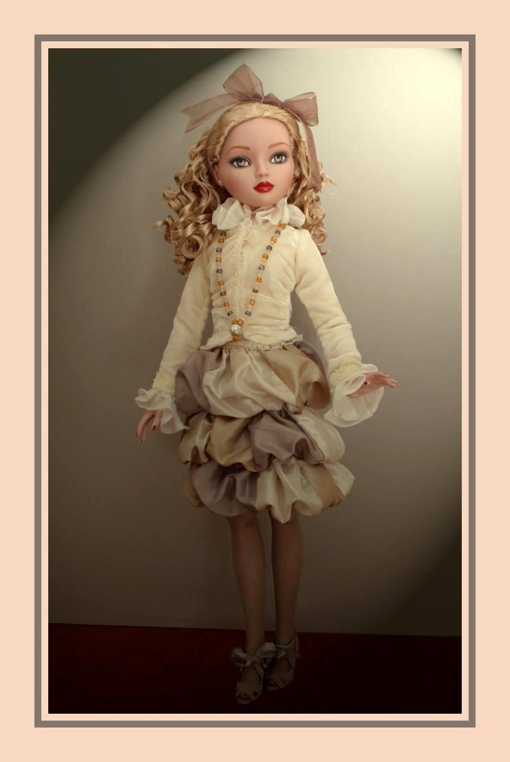 Crème Chantilly, la nouvelle blonde aux cheveux bouclés 2759738066_8d601a36cc_o