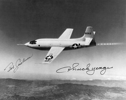 Chuck Yeager (1923-2020), première personne à franchir le mur du son 2943009108_305e3351fd