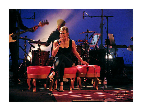 Elodie en concert à Sarlat (04/04/08) 2569475927_c42ea2530b