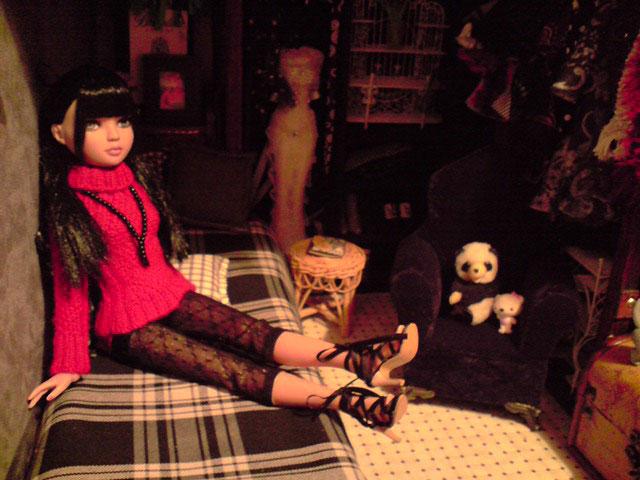 CharlIE :)) dans un beau pull rouge tricoté par Nadine :) Page 2 et 3 :) 2375223624_21343fe29e_o