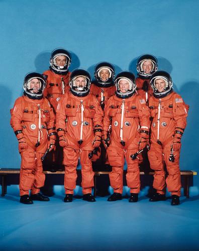 STS-95 / BROWN LINDSEY ROBINSON PARAZYNSKI GLENN DUQUE MUKAI / DISCOVERY