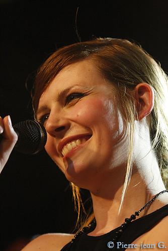 Elodie en concert au réservoir de Paris (12/05/08) - Page 2 2492374390_2093e5b144