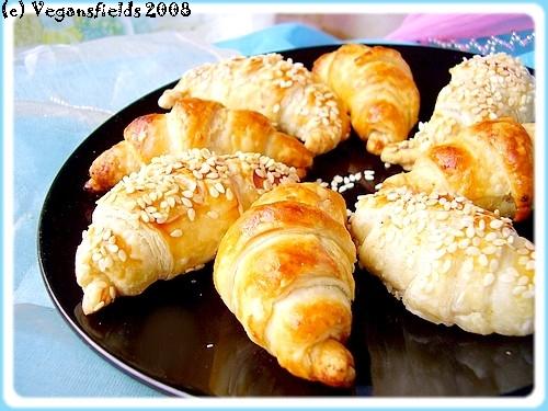 Mini-croissants salés, seitan & moutarde à l'ancienne 2357687547_dcbeb8cd30_o