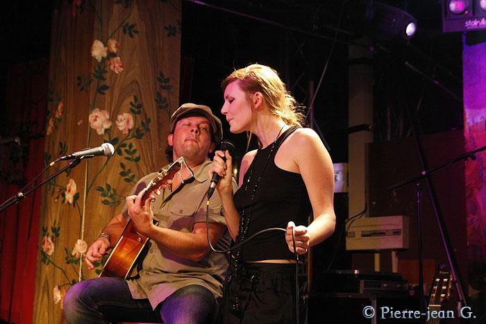 Elodie en concert au réservoir de Paris (12/05/08) - Page 2 2492373688_9c3034d7c0_o