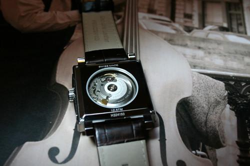 Revue HAMILTON Jazzmaster Square automatique 3111323556_636c342114