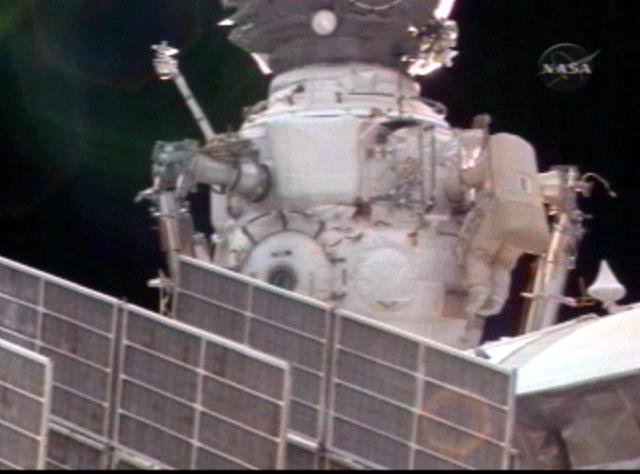 Sortie dans l'espace (EVA du 23 décembre 2008) 3130138177_48aa017b20_o
