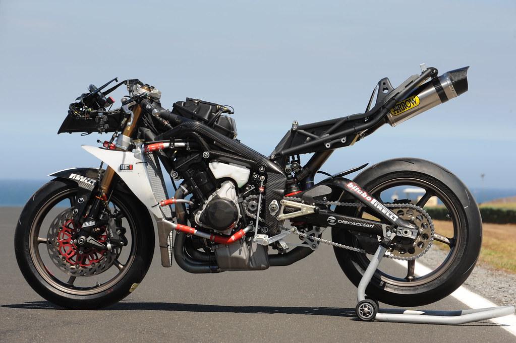Machines de courses ( Race bikes ) - Page 2 3315272100_127a8cc42b_b