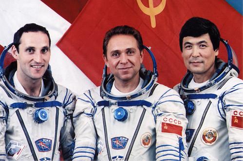 25 mars 1992 / 2 cosmonautes changent de nationalité / Sergueï Krikalev et Alexandre Volkov 3380747584_fbf7283cb9