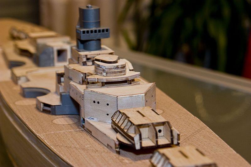 Chris' Schlachtschiff Bismarck von Amati 1/200 3923914974_6824f874ae_o