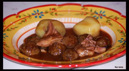 ragoût de boulettes avec des pattes de porc 4056565461_8173ee238b_o
