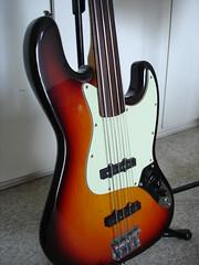 Pesando Jazz Bass (e outros) - Página 2 3409631168_56515eb325_m