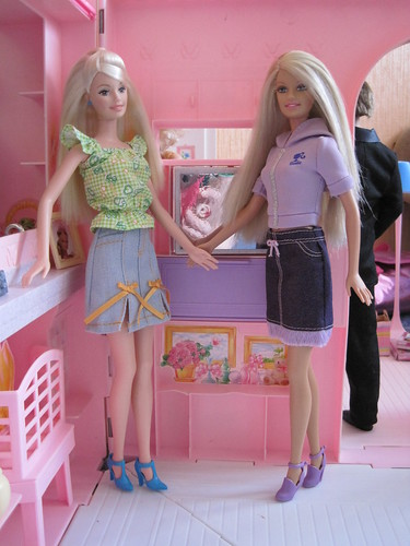 IRENgorgeous: Magic Kingdom filled with Barbie dolls 3765334265_65f6b20990