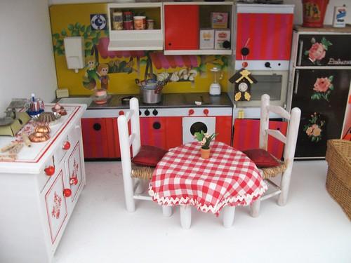 Dollhouse en construction 3330366833_49a3c4ff47